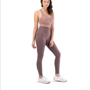 Balance athletica OG cliff leggings